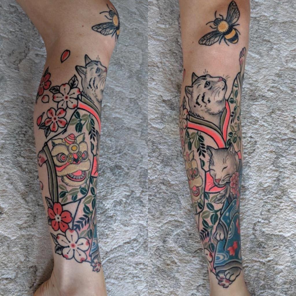 women tattoo her foot